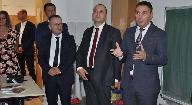 Ministri Bytyqi vlerëson projektin e Shkollës së Lartë Profesionale për Mekatronikë