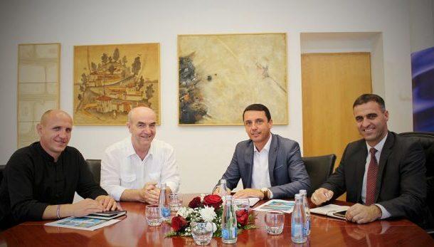 Ministria e Sportit do të investojë në ndërtimin e pishinave për notarët