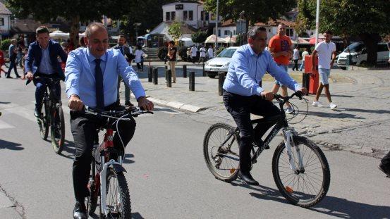"""Prizreni me biçikleta në """"Ditën pa makina"""""""