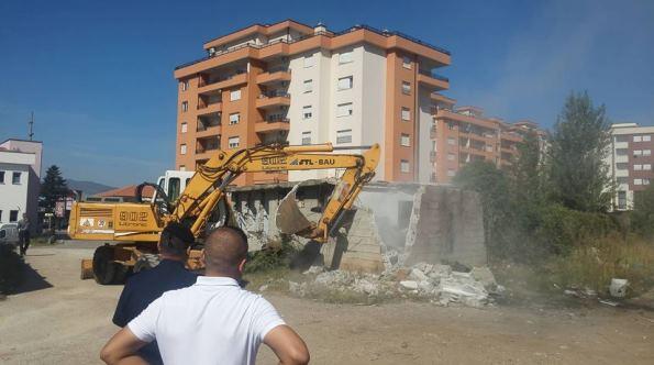 Haskuka: S'do të ketë ndërhyrje në ndërtimet e larta afër hekurudhës në Prizren