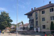 Rahoveci rrënon objektet e vjetra që rrezikojnë qytetarët