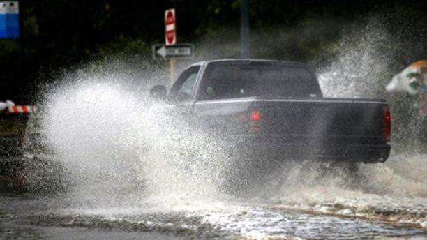 Nis uragani 'Florence', dridhet Amerika