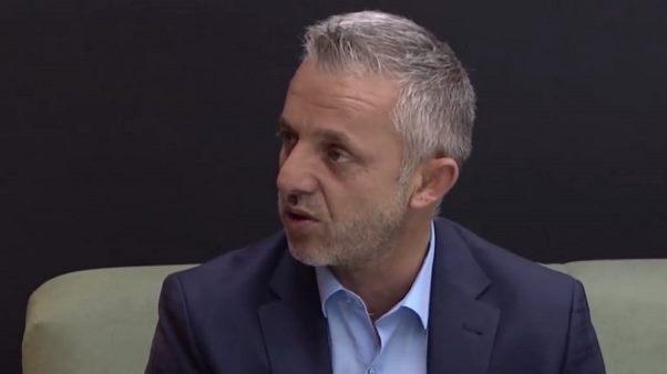 Halil Kastrati bën me shtëpi dy familje katolike në Zym të Hasit (Video)