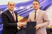 Nënshkruhet memorandumi për aktivitete që aftësojnë të rinjtë e Kosovës