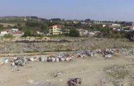 Fier: Banorët lëshojnë shtëpitë, shkak fusha e mbetjeve