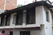 Rrënimi i shtëpisë së shekullit XIX në Prizren përplas institucionet