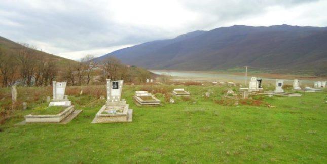 AKP shet varrezat në Vërmicë të Prizrenit