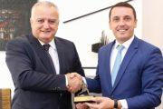 Ministri i Kulturës Kujtim Gashi pret ministrin e Malit të Zi, Mehmed Zenka