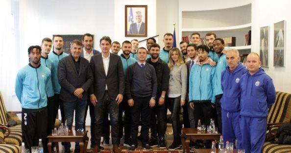 Gashi: Basketbollistët e Prishtinës të angazhohen maksimalisht në garat ndërkombëtare