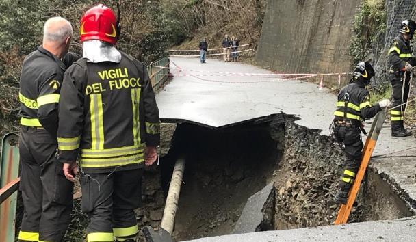 Mot i keq në Itali, përmbytje dhe rrëshiqtje të tokës në Gjenova (Foto)