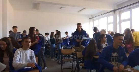 Malishevë, 60 nxënës në një klasë (VIDEO)