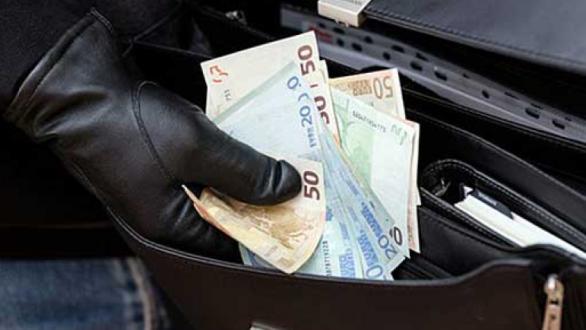 Prizren, arrestohet një person për vjedhje të një shume të madhe parash