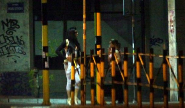 Prostitucion i femrave serbe në Kosovë, kalojnë natën me shqiptarë dhe ushtarë të KFOR-it