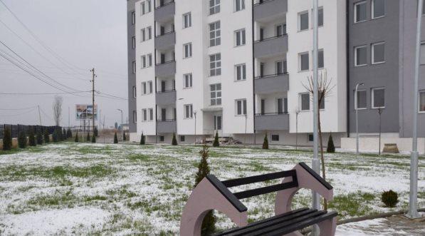 """Finalizohet blloku i tretë me 30 banesa sociale në """"Petrovë"""" të Prizrenit"""