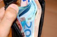 Gjen një kuletë me para, befason  prostituta  shqiptare