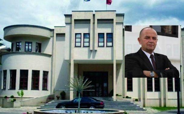 """Drejtori Islam Thaçi thërret konferencë për shtyp-flet për rrënimin e """"Abi Çarshi""""-së"""