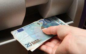 Rriten pensionet dhe ndihmat sociale
