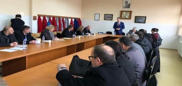 Hoti: Gara në shkolla nis javën e ardhshme, e dua Prizrenin në krye të Republikës