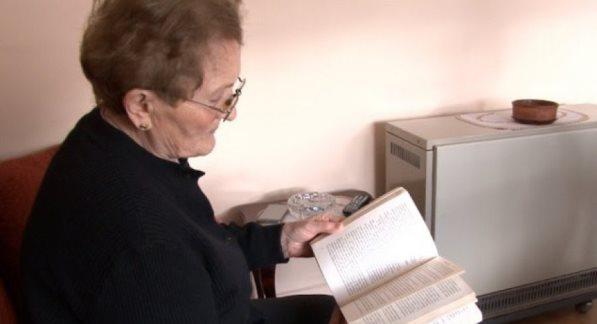 Rrëfehet gruaja që hapi bibliotekën e parë për fëmijë në Prizren