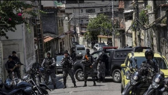 Policia në Brazil përplaset me bandat e drogës, 13 të vrarë