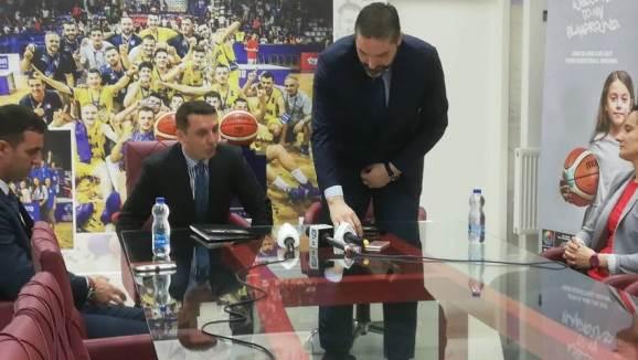 Gashi premton palestër të re sportive në Prishtinë, pas rishikimit të buxhetit në qershor
