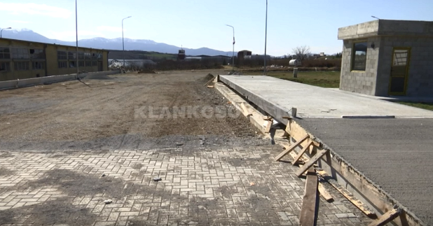 Nis ndërtimi i tregut të rrushit në Rahovec (VIDEO)