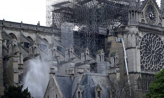 Shqipëria ofron 100 mijë euro për rindërtimin e Notre Dame
