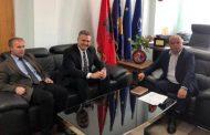 Koordinatori Hoti takohet me kryetarin e Rahovecit, Smajl Latifi