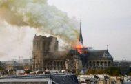 """Zjarr në katedralen """"Notre Dame"""" në Paris"""