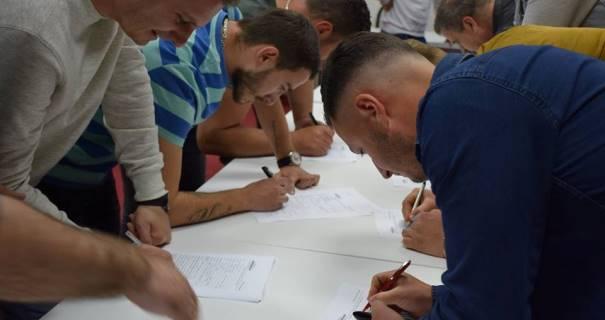 32 anëtarë të PDK-së aderuan në Vetëvendosje të Prizrenit