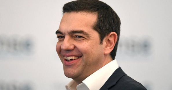 Tsipras i mbijeton mocionit të mosbesimit