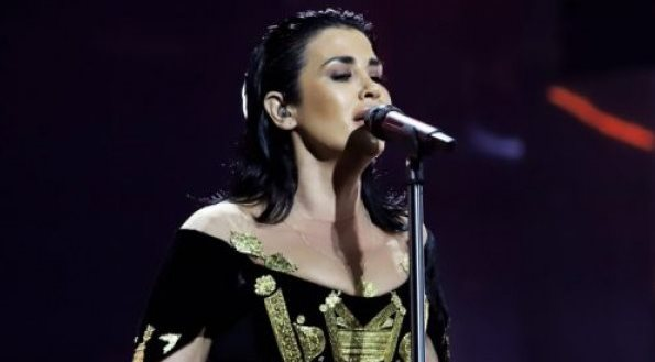 """Sonte Jonida Maliqi me """"Ktheju Tokës"""" në Eurovision"""