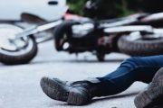 Përplaset vetura me motoçikletën, lëndohen dy persona në Rahovec