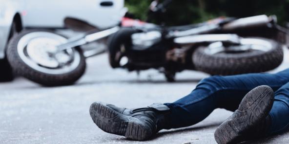 Vetura godet biçiklistin në Prizren