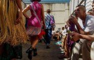 Të burgosurit brazilianë bëjnë modë pas hekurave
