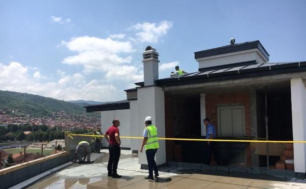 Komuna e Prizrenit rrënoi një mbindërtim të një objekti banesor