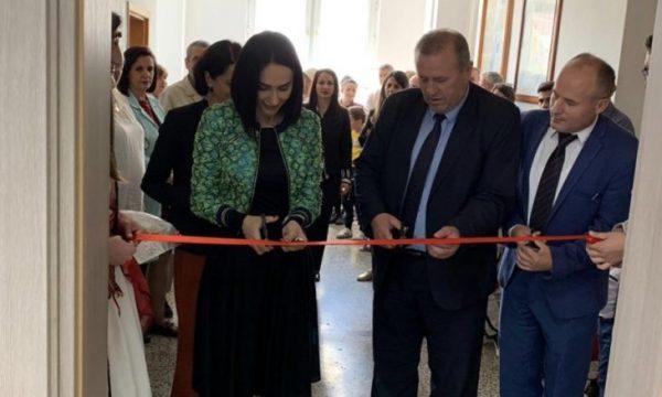 Prizren: Përurohet shkolla për fëmijë me dëgjim të dobësuar