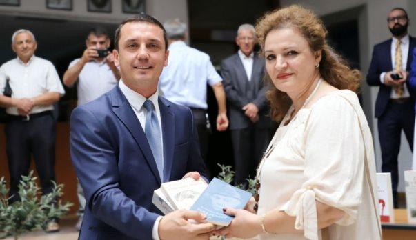 Halli i drejtoreshës së Bibliotekës së Prizrenit, për lexuesit (Video)