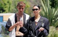 Dua Lipa me të dashurin në një shëtitje romantike, në Beverly Hills