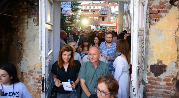 Dy anët e Prizrenit dhe ardhja e botës në Kosovë përmes filmave