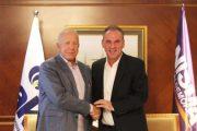 Zyrtarizohet koalicioni NISMA-AKR, Limaj shpall kandidaturën për kryeministër