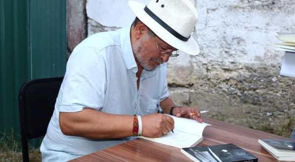 Në Rahovec, u përuruan dy libra të Xhevdet Bajrajt