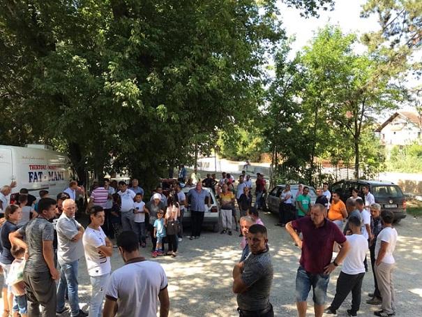 """Komuna e Suharekës dhe """"Jetimat e Ballkanit"""" ndihmojnë 200 familje skamnore"""