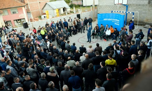 Veseli në Brrut dhe Pllavë të Dragashit premton se do t'i asfaltojë 500 kilometra rrugë rurale