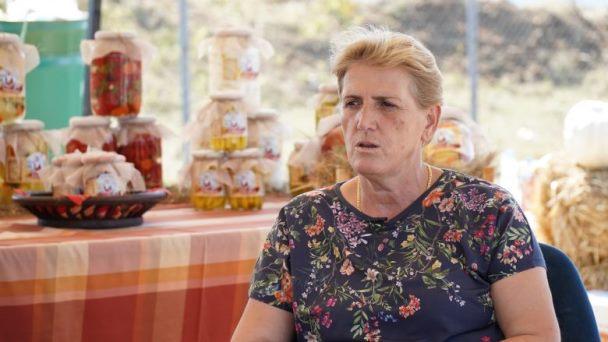 """Fahrije Hoti s'do ndihmë përkundër zjarrit që kaploi """"Krushën"""", i preokupon fati i të pagjeturve"""