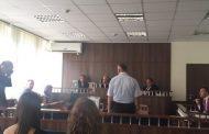 Prokuroria thotë se inspektori në Prizren keqpërdori pozitën, mbrojtja thotë se do të vërtetohet pafajësia e tij