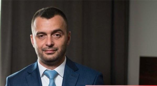 Deputeti i VV-së, Rexhaj, i kundërpërgjigjet Haradinajt: Nuk do të pasurohemi në emër të kombit dhe luftës