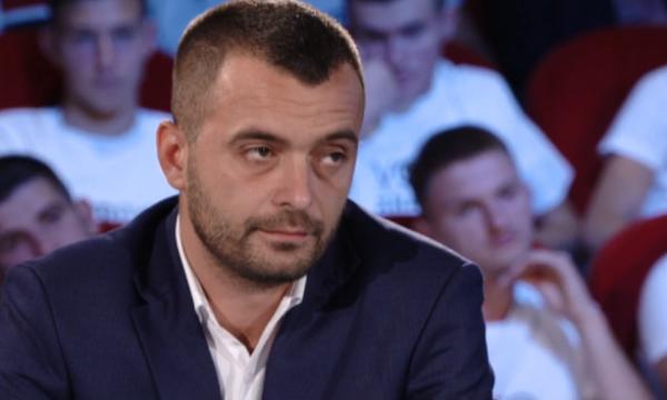 Arbër Rexhaj: 90% e administratës komunale janë militantë të PDK'së