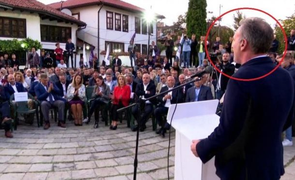 Fatmir Limaj ndërpret fjalimin në Prizren, respekton ezanin!