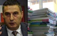 Nxënësit pa libra, Ministria e Arsimit në gjumë